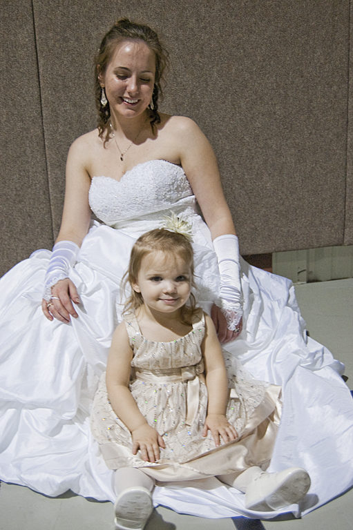 Flowergirl and Bride